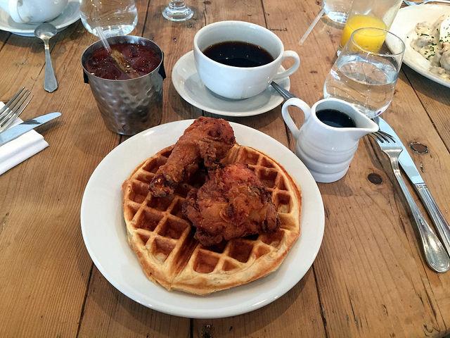 Chicken__26_waffles_at_The_Lockhart_14_640.jpg