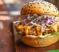 chicken-burger-2953388_640.jpg